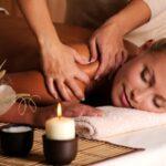 Massage Yoni cho nữ tại nhà