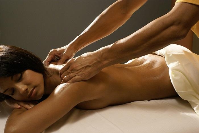 Sự thật về Massage Yoni là gì? Cách Matxa Yoni Đúng và Chuẩn